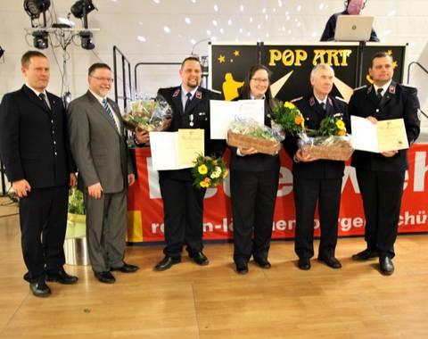 Auszeichnung für überdurchschnittliches Engagement mit Verdienstmedaille bzw. Ehrennadel des Kreisfeuerwehrverbandes LK Leipzig (Mittel)